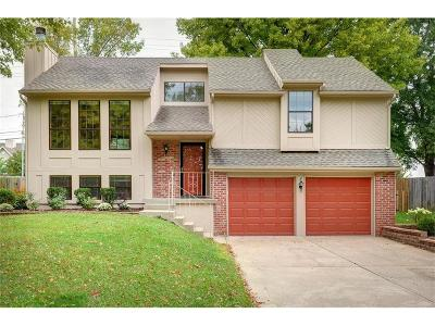 Lenexa Single Family Home For Sale: 10320 Haskins Street