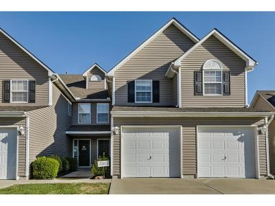 Raymore Condo/Townhouse For Sale: 2020 Hickoryleaf Lane