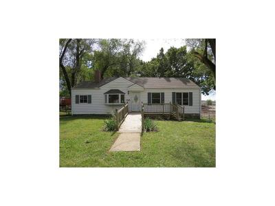 Shawnee Single Family Home For Sale: 6024 Roger Road