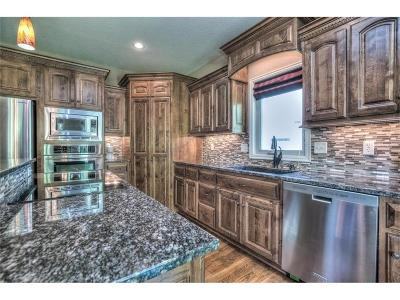 Lenexa Single Family Home For Sale: 24132 W 95th Terrace