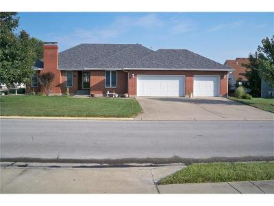 Warrensburg Single Family Home For Sale: 513 Foster Lane