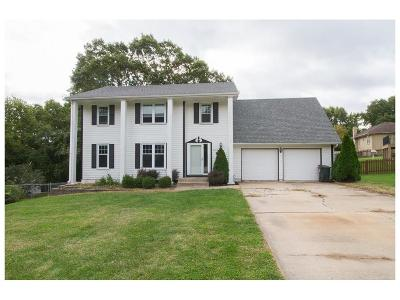 Shawnee Single Family Home For Sale: 6115 Cottonwood Drive