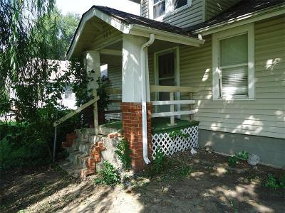 Buckner MO Single Family Home For Sale: $41,900