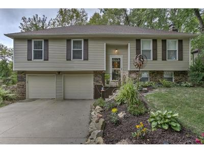 Parkville Single Family Home Show For Backups: 5910 NW Walnut Creek Circle