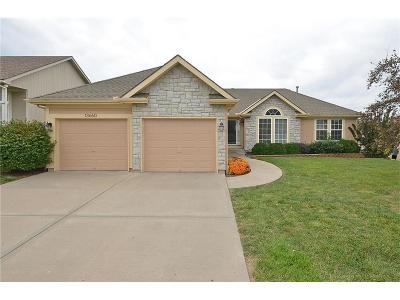 Platte City Single Family Home For Sale: 13660 Station Drive