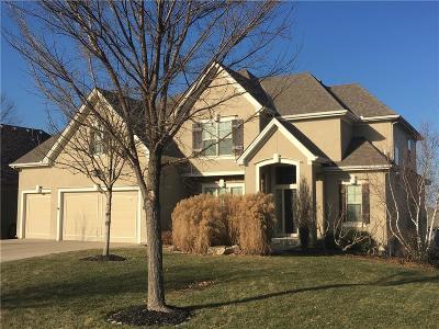 Lenexa Single Family Home For Sale: 9808 Redbird Street