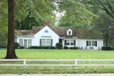 Overland Park Single Family Home For Sale: 6812 Reeds Road
