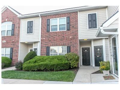 Leawood Condo/Townhouse For Sale: 11610 Tomahawk Creek Parkway #H