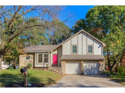 Gladstone MO Single Family Home For Sale: $220,000