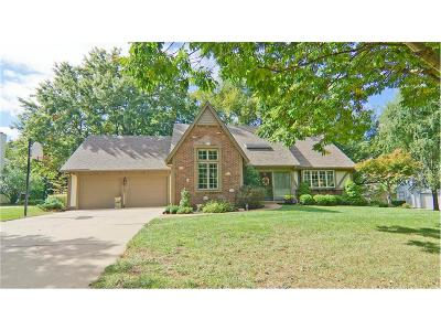 Leawood Single Family Home Show For Backups: 12800 Sagamore Road