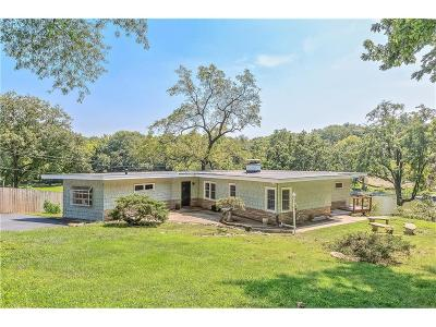 Weatherby Lake Single Family Home For Sale: 9905 NW 75th Street
