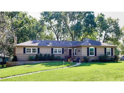 Overland Park Single Family Home Show For Backups: 5517 W 101st Terrace