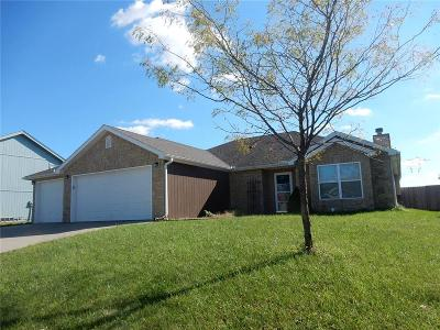 Knob Noster Single Family Home For Sale: 1607 W 7th Street Terrace
