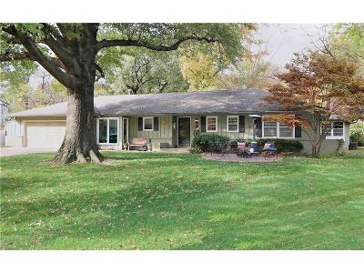 Prairie Village Single Family Home For Sale: 4326 Homestead Circle