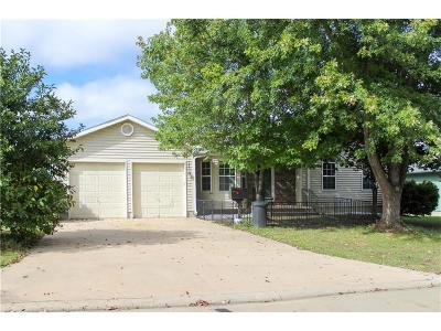 Sedalia Single Family Home For Sale: 3830 Chapel Drive