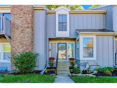 Lenexa Condo/Townhouse For Sale: 8177 Monrovia Street