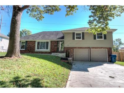 Gladstone MO Single Family Home For Sale: $167,000