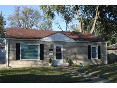 Olathe Single Family Home For Sale: 920 S Edgemere Drive