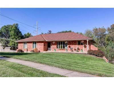 Gladstone MO Single Family Home For Sale: $190,000