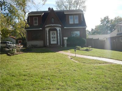 Shawnee Single Family Home For Sale: 10815 Johnson Drive