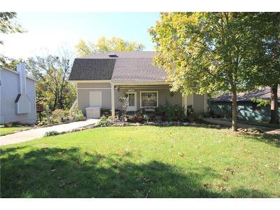 Kansas City Single Family Home For Sale: 12505 E 65th Court