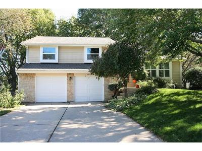 Lenexa Single Family Home For Sale: 8315 Alden Street