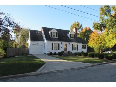Kansas City Single Family Home For Sale: 621 E 66 Terrace