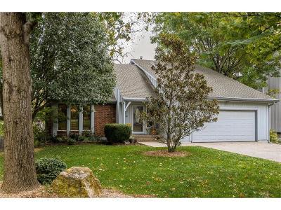 Lenexa Single Family Home For Sale: 8921 Woodstone Street