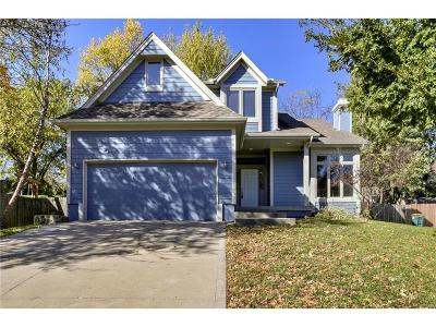 Parkville Single Family Home For Sale: 6914 NW Pleasant View Court