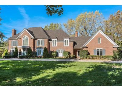 Kansas City Single Family Home For Sale: 4312 N Hickory Lane