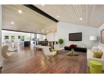 Johnson-KS County Single Family Home For Sale: 2413 W 104th Terrace