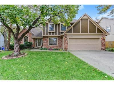 Lenexa Single Family Home For Sale: 11333 S Rene Street