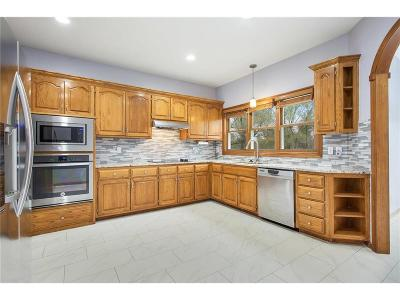 Stilwell Single Family Home For Sale: 7051 W 164th Terrace
