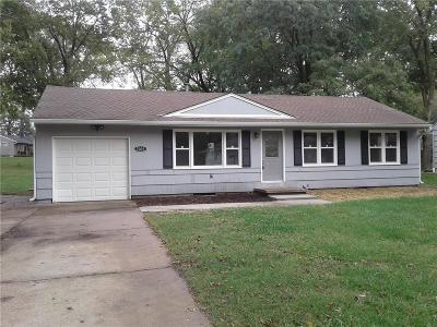 Overland Park Single Family Home For Sale: 7007 Woodward Street