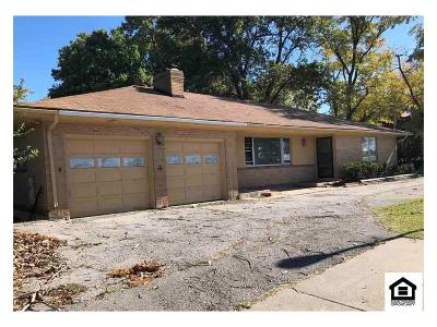 Merriam Single Family Home For Sale: 5647 Antioch Road