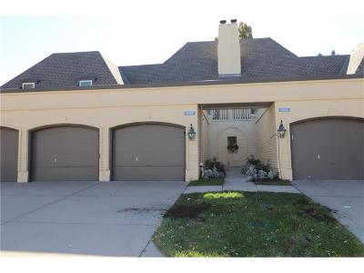Overland Park Condo/Townhouse For Sale: 6739 W 108th Terrace
