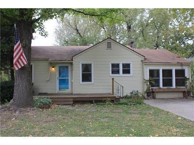 Raytown Single Family Home For Sale: 9358 E 68th Street
