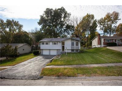 Gladstone MO Single Family Home For Sale: $165,000