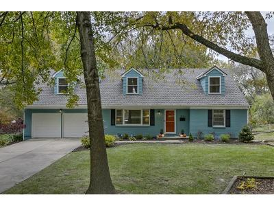 Leawood Single Family Home For Sale: 8719 Lee Boulevard
