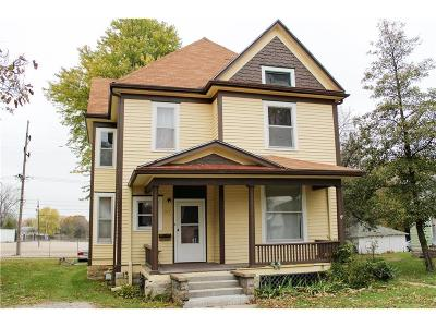 Single Family Home For Sale: 517 E 10th Street