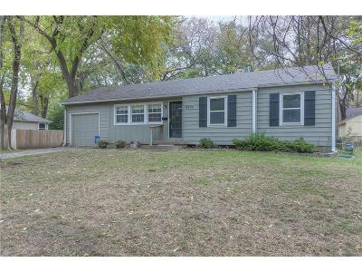 Single Family Home Sold: 8818 W 82nd Street