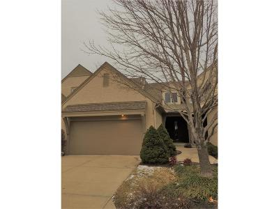Johnson-KS County Condo/Townhouse For Sale: 14403 Russell Street