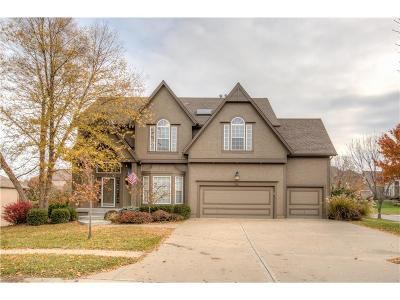 Lee's Summit Single Family Home For Sale: 729 SW Winterhill Lane