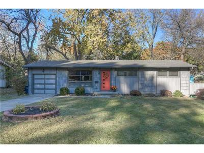 Prairie Village Single Family Home For Sale: 6030 W 76th Street