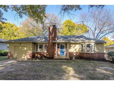 Prairie Village Single Family Home For Sale: 5608 W 78th Street
