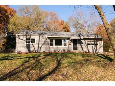 Raytown Single Family Home For Sale: 8402 E 86th Terrace