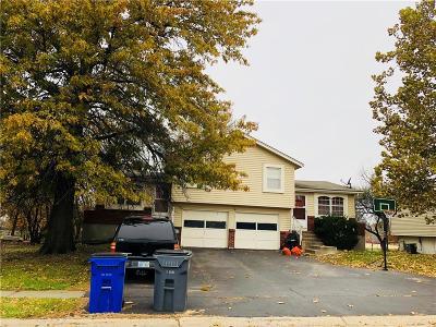 Olathe Multi Family Home For Sale: 905 N Jan Mar Street