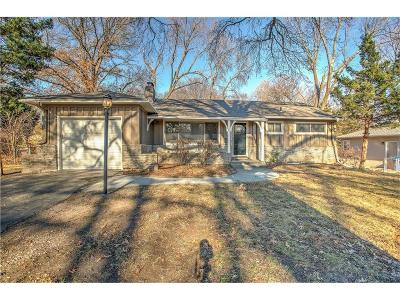 Prairie Village Single Family Home For Sale: 6204 W 77th Street