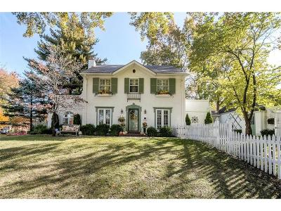 Kansas City Single Family Home For Sale: 6717 Brookside Road