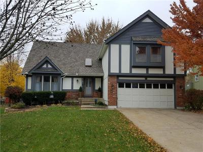 Overland Park Single Family Home For Sale: 8401 W 149th Terrace